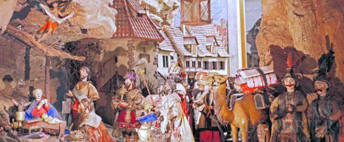 Eine Weihnachtskrippe im Städtischen Museum Überlingen. | Bild: Erwin Niederer - Südkurier